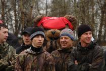 Медведь и таежники